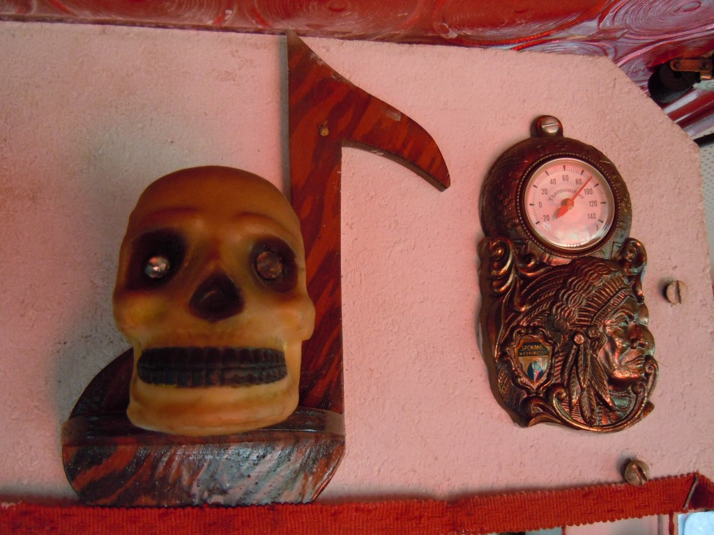 Creepy Van - Skull and Thermometer